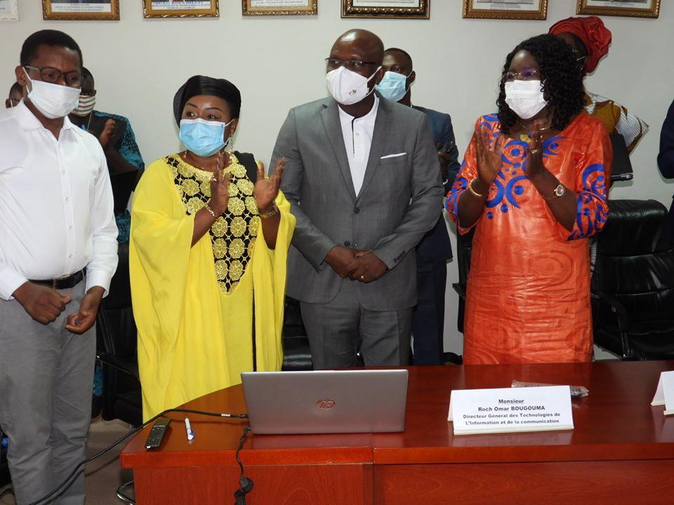COVID- 19 : de nouvelles plateformes numériques pour renforcer la lutte contre la pandémie.